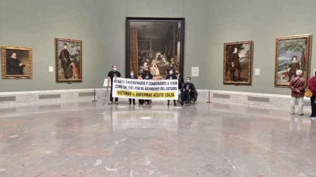 Varios afectados por el aceite de colza encerrados en el Museo del Prado.
