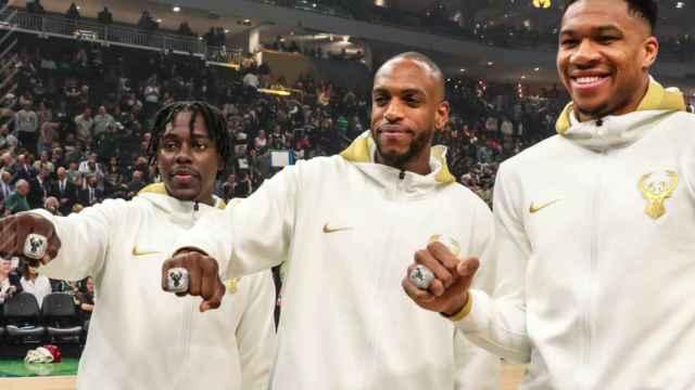 Las imágenes del deporte: los Bucks reciben sus anillos con 376 diamantes y 4 quilates de esmeraldas