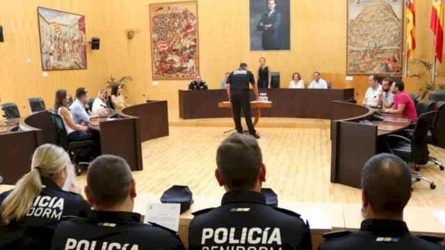 La Justicia asume que un Policía hizo trampas en una oposición de Benidorm pero no reconoce culpables