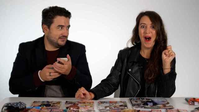Jesús Carmona y Cristina Rodrigo durante la grabación del kiosco rosa, en vídeo.