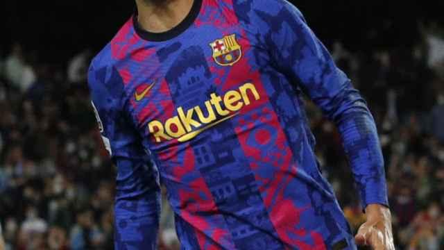 Gerard Piqué celebra un gol con el Barcelona en la Champions League 2021/2022