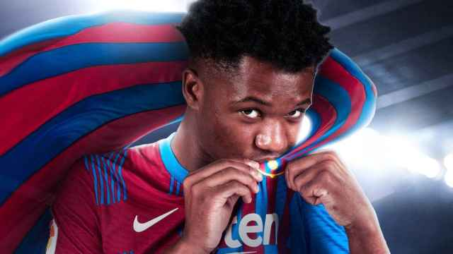 Montaje del FC Barcelona para anunciar la renovación de Ansu Fati