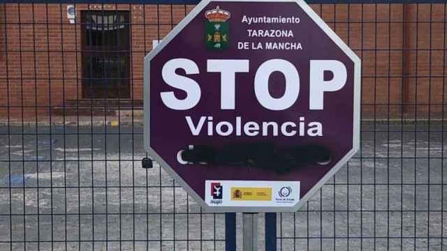 Vuelven a vandalizar señales contra la violencia machista instaladas en un pueblo de Albacete