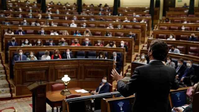 Sánchez y Casado, este miércoles en el Congreso.