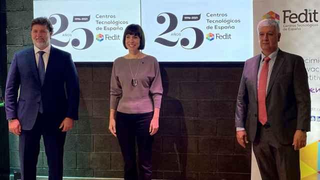 Carlos Calvo, presidente de Fedit; Diana Morant, ministra de Ciencia e Innovación;  y Áureo Díaz-Carrasco, director de Fedit.