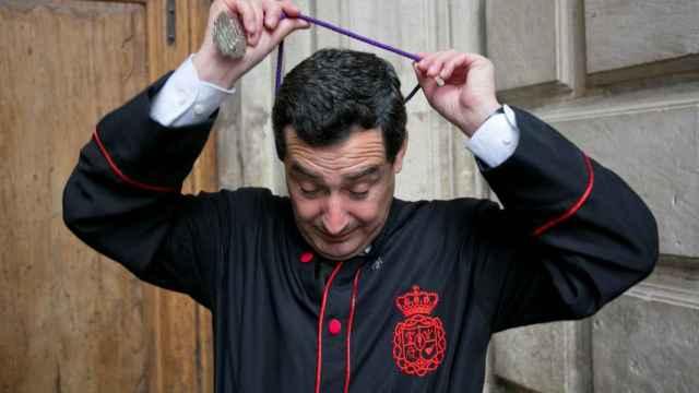 Juanma Moreno, como hombre de trono de Fusionadas