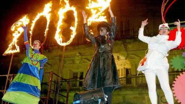 Actuación de Els Comediants el 31 de diciembre de 2002 en la Plaza Mayor, representación que cerró la programación cultural de la Capitalidad Europea