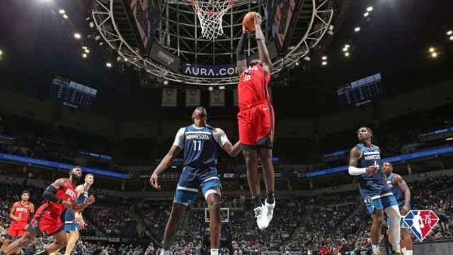 Garuba en su debut con Houston Rockets en la NBA. Foto: NBA