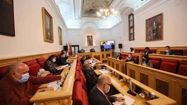Tolón logra aprobar las ordenanzas fiscales para Toledo con el apoyo del concejal no adscrito