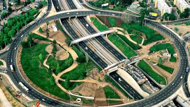 Tramo de la autopista Américo Vespucio desarrollado por Sacyr.