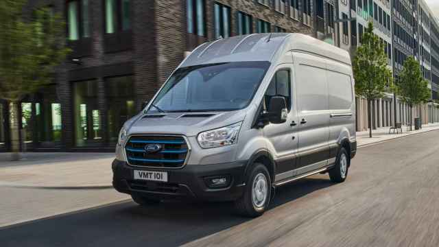La furgoneta Ford E-Transit llegará en 2022.