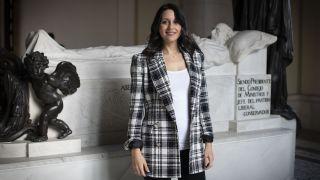 Inés Arrimadas, entre las tumbas de los liberales: 'Sobreviviremos a la opa del PP, estoy convencida'