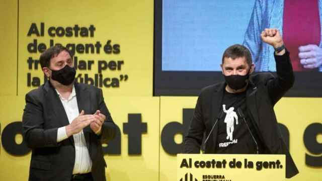 Arnaldo Otegi junto al líder de ERC, Oriol Junqueras.