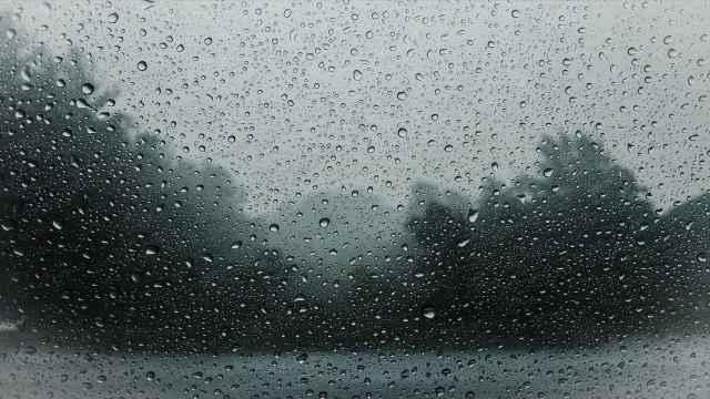 Lluvias de más de 90 litros por metro cuadrado obligan a cortar varias carreteras de la Vega Baja
