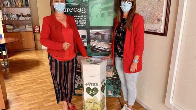 La concejala de Medio Ambiente, Laura Martín, acompañada por Rosa Martin (Adrecag)