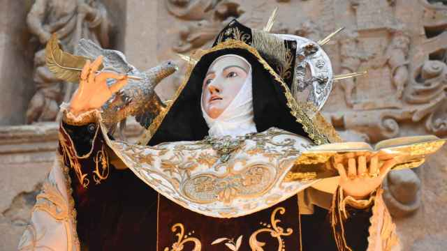 Imágenes de la entrada en clausura de Santa Teresa en Alba de Tormes