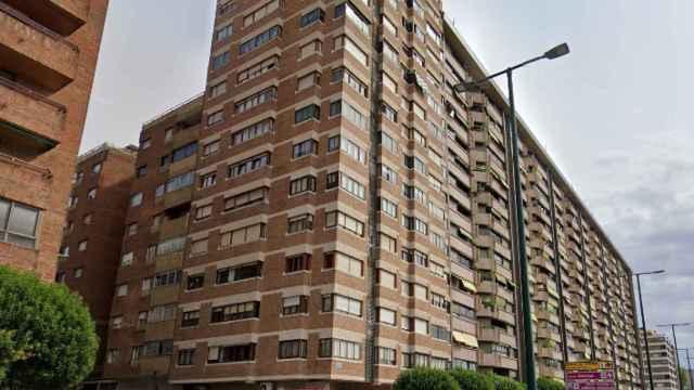 Edificio de Ia vivienda en el Paseo Isabel la Católica