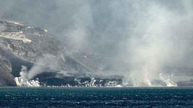Fajana creada por la lava del volcán en La Palma.