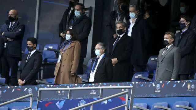 Nasser Al-Khelaifi, presidente del PSG, Noel Le Graet, presidente de la FFF, Vincent Labrune, presidente de la LFP, y Emmanuel Macron. presidente de la República, en el palco del Stade de France.