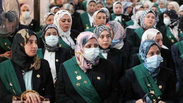 Casi un centenar de mujeres entran a forman parte del Consejo de Estado en Egipto.
