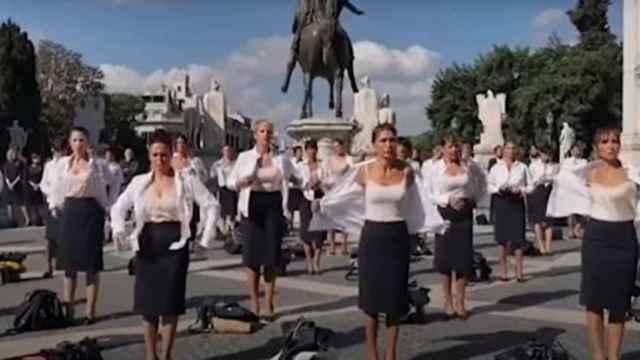 Las azafatas de Alitalia manifestándose en Roma.