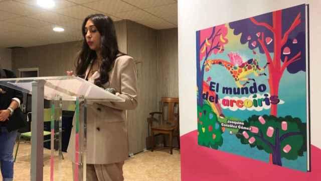 Joaquina González, en la presentación de su libro este viernes en Los Palmerales de Elche.