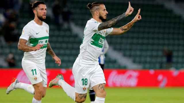 Benedetto celebra un gol del Elche ante el Espanyol
