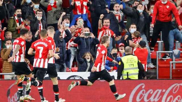 Iker Muniain celebra un gol con el Athletic en San Mamés