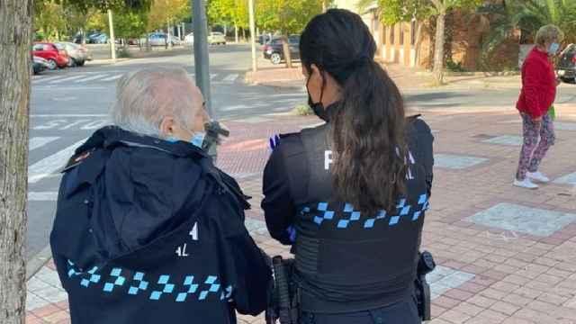 La tierna imagen de una anciana desorientada en Puertollano te va a emocionar