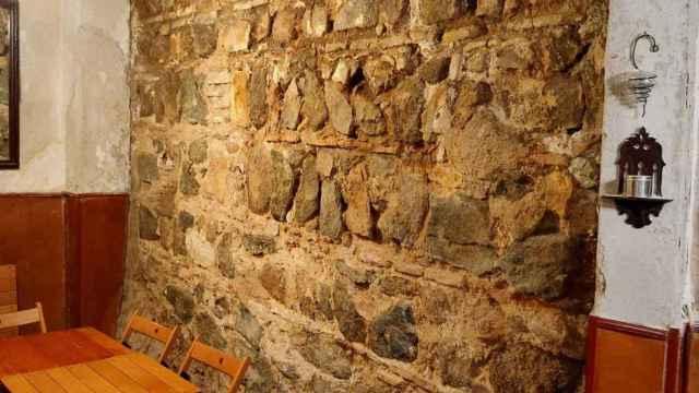 Aparece en el bar Jacaranda de Toledo un muro milenario de la época de los árabes