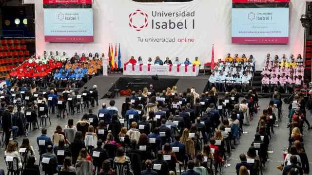 La Universidad Isabel I celebra el primer acto de graduación tras la pandemia