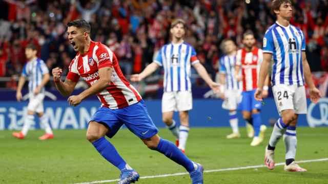 Luis Suárez celebra uno de los goles ante la Real Sociedad