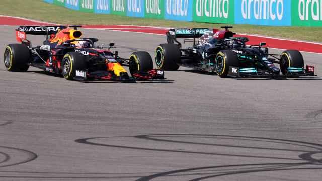 Verstappen adelanta a Hamilton en el Gran Premio de Estados Unidos