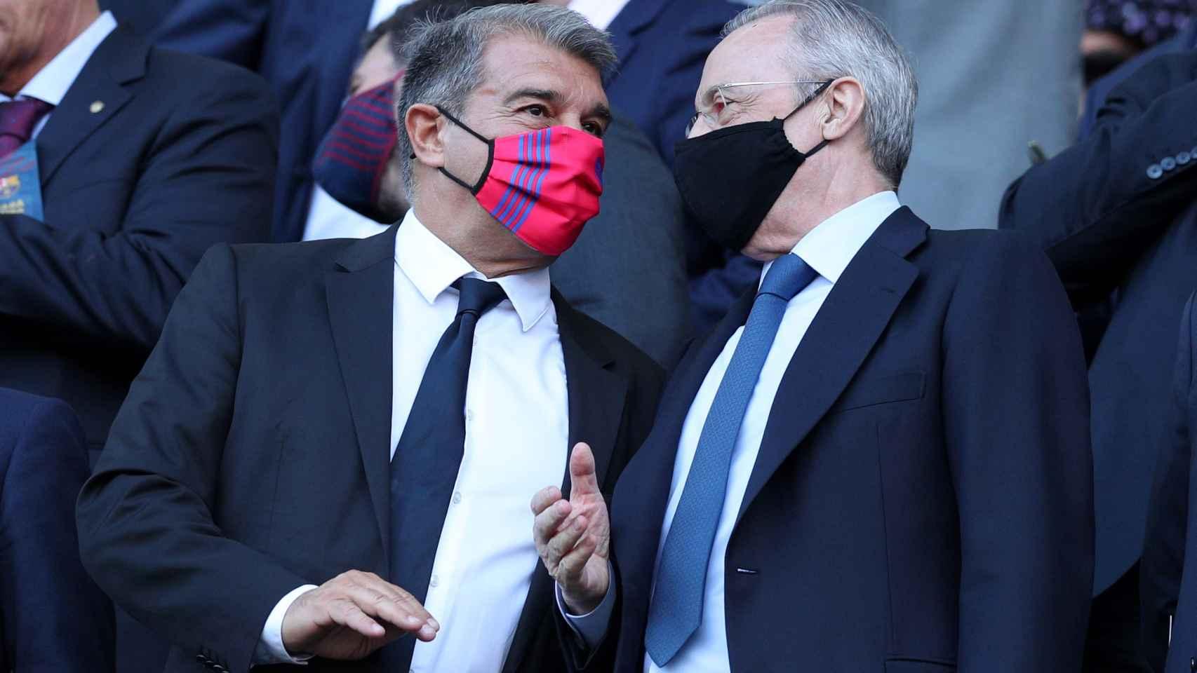 Joan Laporta y Florentino Pérez, en el palco del Camp Nou
