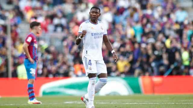 David Alaba celebra su gol al Barça