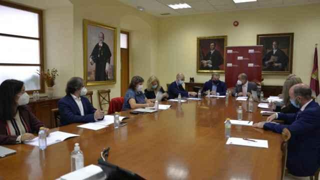Comisión entre la Universidad de Castilla-La Mancha y la consejería de Sanidad de la Junta