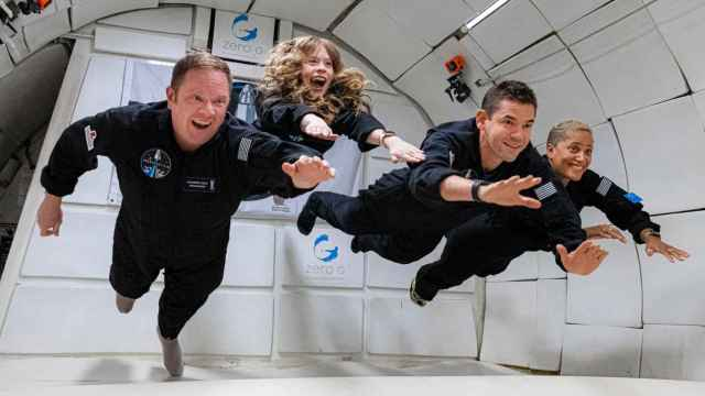 Asistentes al curso de orientación a bordo del avión de Zero-G