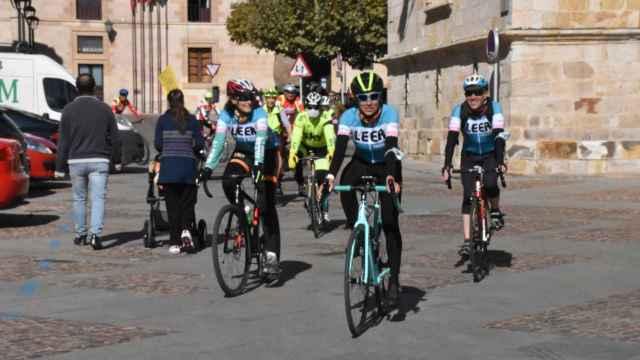 El libro que viajó de Salamanca a Zamora a lomos de una campeona mundial
