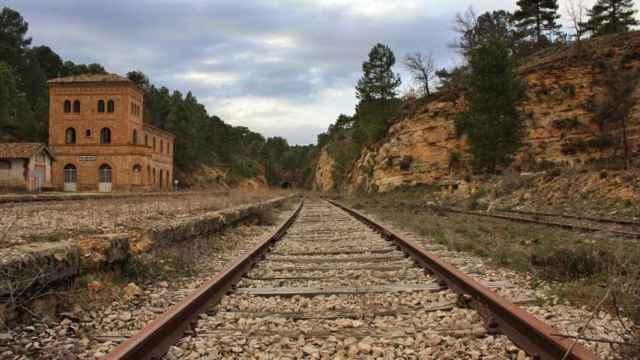 Vía del tren. Imagen de archivo
