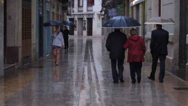 Calle Granada en una tarde de lluvia.
