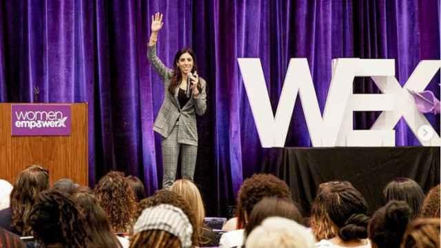 Alexa Carlin durante una conferencia en la Universidad de Memphis en marzo.
