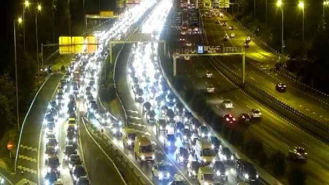 Varios accidentes de tráfico han complicado la circulación en Madrid.