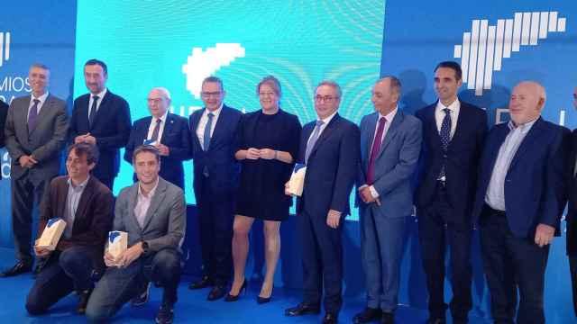 Los galardonados de esta tercera edición de los premios Uepal que se ha celebrado en Elche.