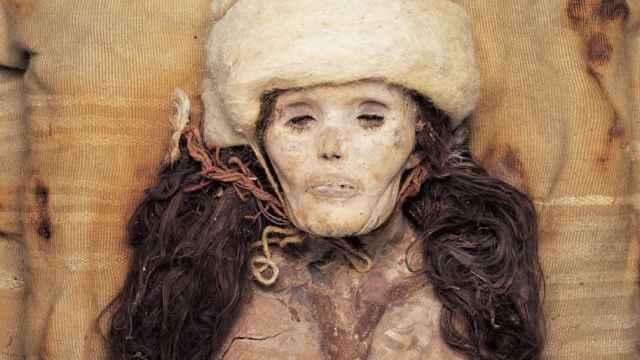 Una mujer momificada de forma natural descubierta en el cementerio de Xiaohe.