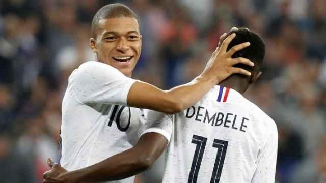 Mbappé y Dembélé, en un partido de la selección de Francia
