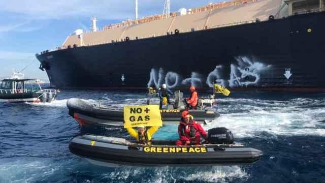 Protesta de Greempeace en el Puerto de Sagunto. EE