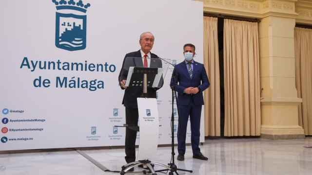 El alcalde, Francisco de la Torre, durante una rueda de prensa.
