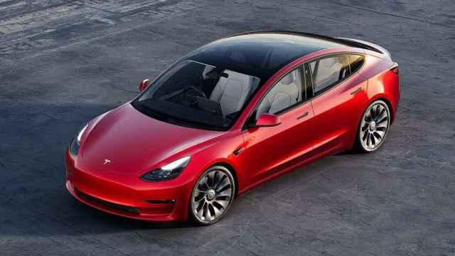 Un coche eléctrico (el Tesla Model 3) se convierte, por primera vez, en el modelo más vendido de Europa