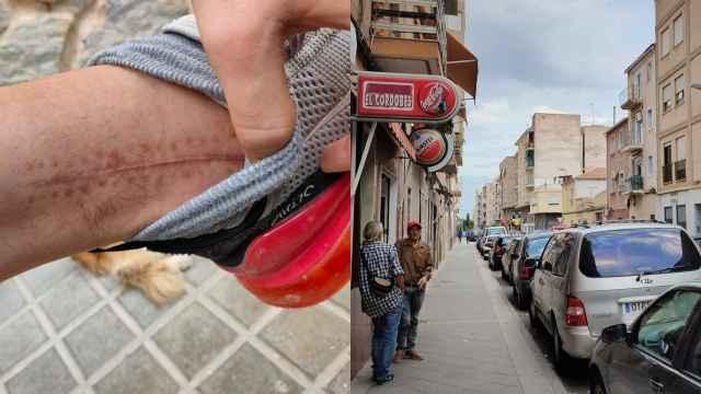 Maria del Mar señala su pie derecho en una calle de Carrús.