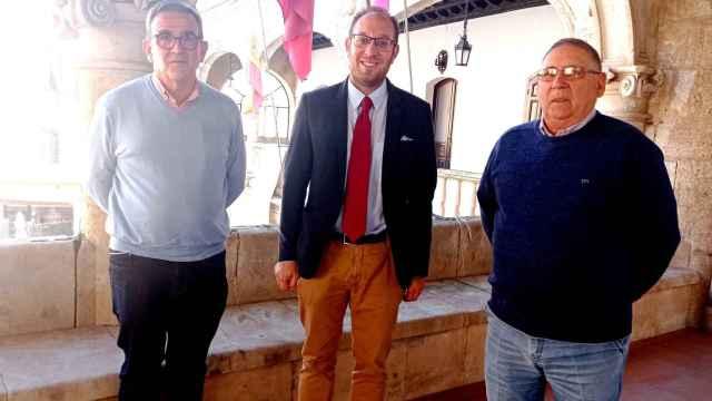 Reunión del alcalde con la Asociación Amigos de la Ilusión de Ciudad Rodrigo